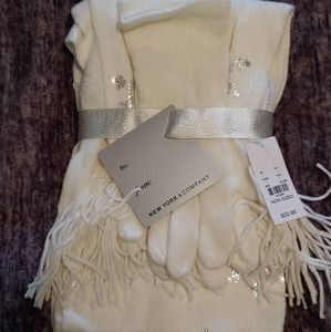 2 Piece Glove and Scarf Set New York & Company